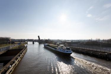 Extra snelheidscontroles binnenvaartschepen op de Gouwe