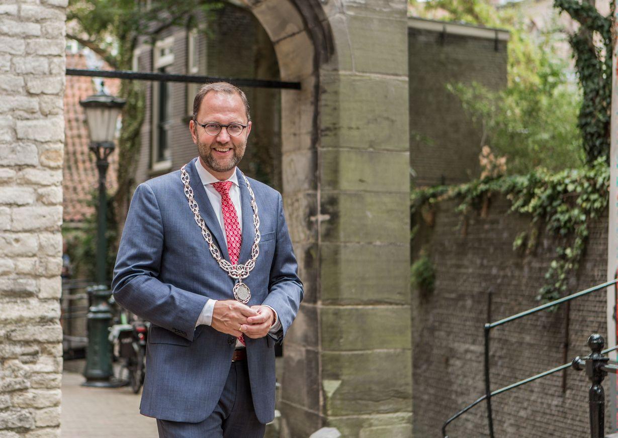 Burgemeester Milo Schoenmaker ereburger van Gouda